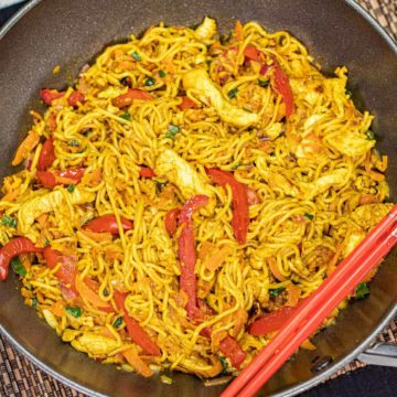featured-image-for-chicken-singapore-noodles-recipe